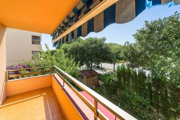 Se vende piso muy amplio con terraza en Son Ferrer / Freehold Large flat with terrace in Son Ferrer