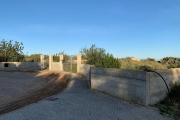 TERRENO CON LICENCIA PARA VIVIENDA UNIFAMILIAR EN SON TALENT, MANACOR